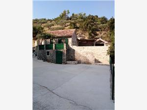 Prázdninové domy CVITINA Nerezisce - ostrov Brac,Rezervuj Prázdninové domy CVITINA Od 1727 kč