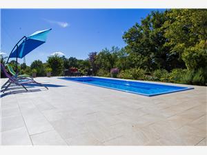 Appartement Napoleon Zminj, Kwadratuur 90,00 m2, Accommodatie met zwembad