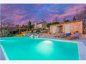 Namestitev z bazenom Reka in Riviera Crikvenica,Rezerviraj Jelena Od 257 €
