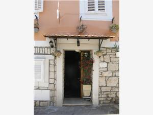 Lägenhet Mladenka Vela Luka - ön Korcula, Storlek 80,00 m2, Luftavstånd till havet 60 m, Luftavståndet till centrum 20 m