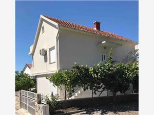 Appartementen Matić Podaca, Kwadratuur 30,00 m2, Lucht afstand naar het centrum 100 m