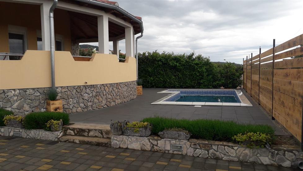 Apartament Marica-on quiet location with pool