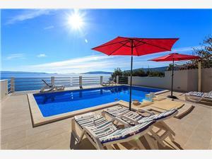 вилла Karla Далмация, квадратура 135,00 m2, размещение с бассейном, Воздуха удалённость от моря 5 m