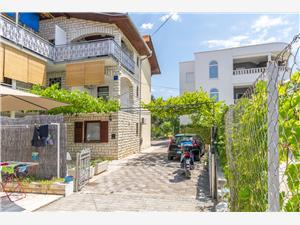 Apartmány Ivan Rogoznica, Prostor 50,00 m2, Vzdušní vzdálenost od moře 50 m