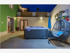 Alloggi con piscina Deal Pisino (Pazin),Prenoti Alloggi con piscina Deal Da 254 €