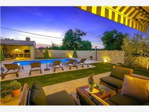 Villa Hisina Banki, Kvadratura 130,00 m2, Namestitev z bazenom
