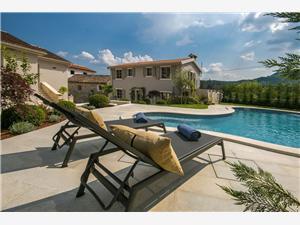 Villa Zita Svici, Dimensioni 320,00 m2, Alloggi con piscina
