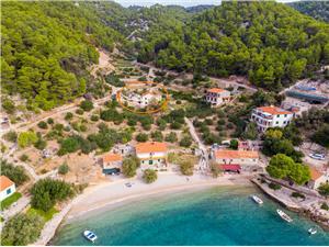Appartamenti Lantana Gdinj - isola di Hvar,Prenoti Appartamenti Lantana Da 100 €