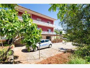Апартаменты Mladen Icici, квадратура 56,00 m2, Воздух расстояние до центра города 500 m