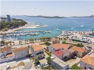 Appartement en Kamers Ante Vodice, Kwadratuur 18,00 m2, Lucht afstand tot de zee 70 m, Lucht afstand naar het centrum 50 m