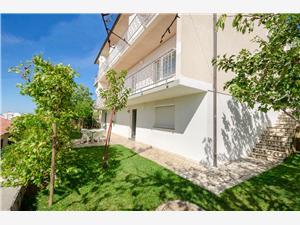 Appartementen Mile Senj, Kwadratuur 150,00 m2, Lucht afstand naar het centrum 700 m