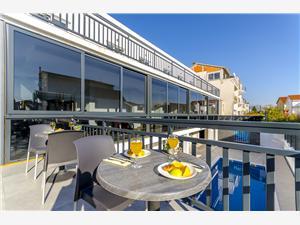 Szoba All Saints Bed & Breakfast Kastel Stafilic, Méret 23,00 m2, Szállás medencével, Központtól való távolság 500 m
