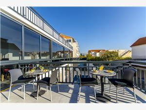 Sobe All Saints Bed & Breakfast Kastel Stafilic, Kvadratura 23,00 m2, Namestitev z bazenom, Oddaljenost od centra 500 m