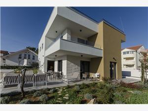 Апартаменты Adriana I Srima (Vodice), квадратура 80,00 m2, размещение с бассейном, Воздуха удалённость от моря 200 m