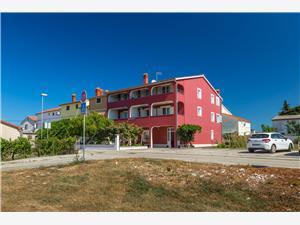 Apartmanok Boris Fazana, Méret 50,00 m2, Központtól való távolság 300 m
