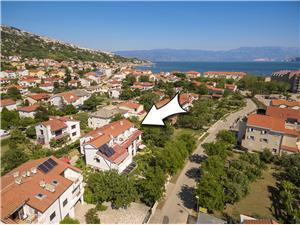 Apartmaji ISTRIA Baska Fam Tomasic Baska - otok Krk, Kvadratura 50,00 m2, Oddaljenost od centra 400 m