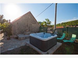 Stenen huize Midden Dalmatische eilanden,Reserveren Jeanette Vanaf 300 €