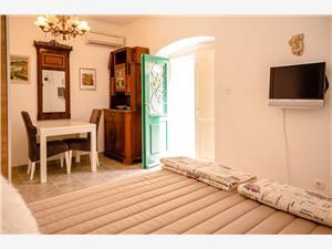 Appartementen Storia di Spalato Split, Kwadratuur 18,00 m2, Afstand van de ingang van Nationaal Park 85 m, Lucht afstand naar het centrum 200 m