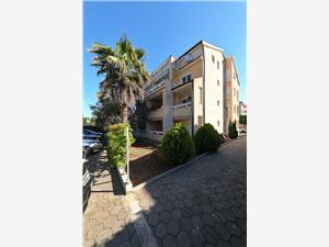 Apartmán EMINA Sv. Filip i Jakov, Rozloha 46,00 m2, Vzdušná vzdialenosť od mora 240 m, Vzdušná vzdialenosť od centra miesta 550 m