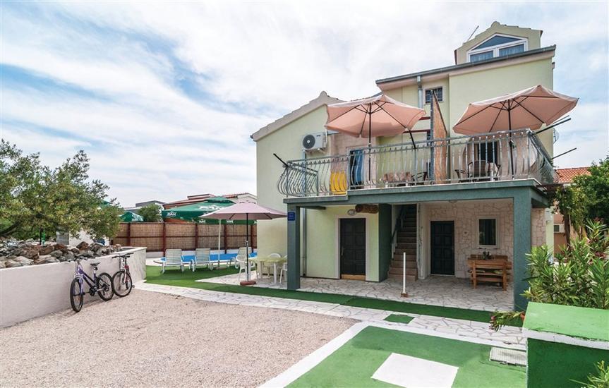 Apartments Kardaš