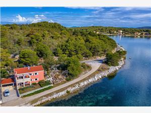 Apartments Golubinka Veli Rat (Dugi otok), Size 85.00 m2, Airline distance to the sea 200 m, Airline distance to town centre 500 m