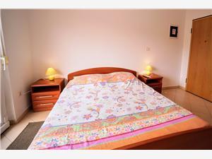 Apartamenty DANILO Umag,Rezerwuj Apartamenty DANILO Od 325 zl