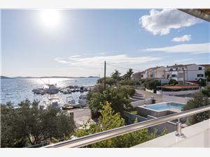 Appartement Ante Srima (Vodice), Kwadratuur 120,00 m2, Lucht afstand tot de zee 50 m