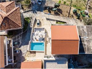 Apartmány La Vie Sumpetar (Omis), Prostor 140,00 m2, Soukromé ubytování s bazénem, Vzdušní vzdálenost od moře 200 m