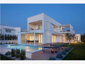 Villa Sepera Funtana (Porec), квадратура 143,00 m2, размещение с бассейном
