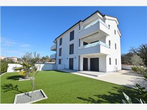 Apartmaji Frankie Malinska - otok Krk,Rezerviraj Apartmaji Frankie Od 114 €