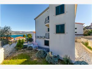 Appartamenti Mia Arbanija (Ciovo),Prenoti Appartamenti Mia Da 154 €