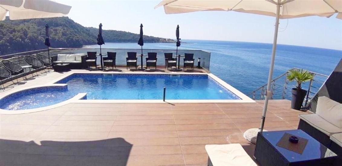 Ferienwohnung und Zimmer Lux Beciragic
