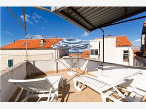 Dom Artist house Strednodalmatínske ostrovy, Kamenný dom, Rozloha 60,00 m2, Vzdušná vzdialenosť od mora 100 m