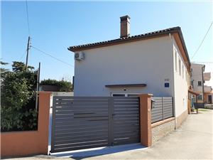 Počitniške hiše Maris Brijuni,Rezerviraj Počitniške hiše Maris Od 240 €