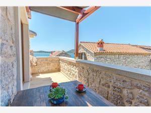 Dům Stone house island Prvić Prvic Sepurine, Kamenný dům, Prostor 90,00 m2, Vzdušní vzdálenost od moře 30 m