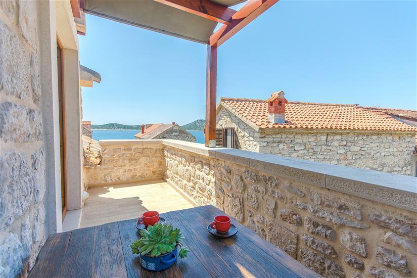 Maison Stone house island Prvić