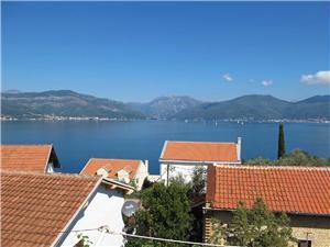 Ferienwohnung Dragan Krasici, Größe 60,00 m2, Luftlinie bis zum Meer 80 m, Entfernung vom Ortszentrum (Luftlinie) 60 m