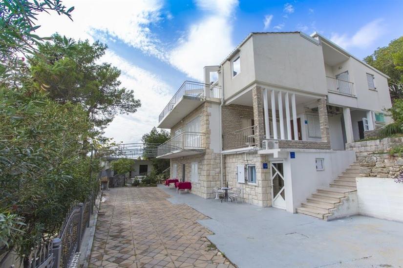 Apartments VILLA DVORSKI