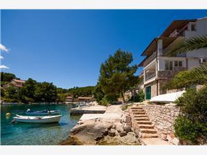 Apartamenty Ivo , Powierzchnia 40,00 m2, Odległość do morze mierzona drogą powietrzną wynosi 10 m