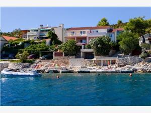 Appartementen Ana Vinisce, Kwadratuur 50,00 m2, Lucht afstand tot de zee 10 m