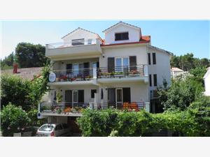 Apartmaji Martin Jelsa - otok Hvar,Rezerviraj Apartmaji Martin Od 107 €