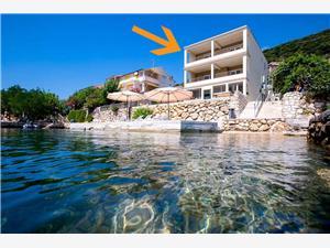 Apartmány Ivana Supetarska Draga - ostrov Rab, Rozloha 90,00 m2, Vzdušná vzdialenosť od mora 5 m, Vzdušná vzdialenosť od centra miesta 700 m
