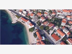 Apartament Zvonimir Sumpetar (Omis), Powierzchnia 60,00 m2, Odległość do morze mierzona drogą powietrzną wynosi 50 m, Odległość od centrum miasta, przez powietrze jest mierzona 50 m