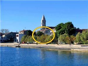 Ferienwohnungen Šime Pakostane, Größe 45,00 m2, Luftlinie bis zum Meer 70 m, Entfernung vom Ortszentrum (Luftlinie) 30 m