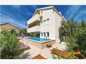 Ház Mlikota Kastel Stari, Méret 150,00 m2, Szállás medencével, Nemzeti Park bejáratától való távolság 600 m