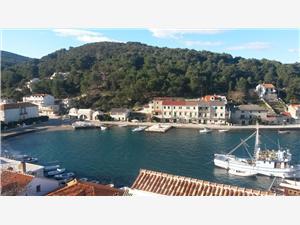 Размещение на море Ina Pucisca - ostrov Brac,Резервирай Размещение на море Ina От 71 €
