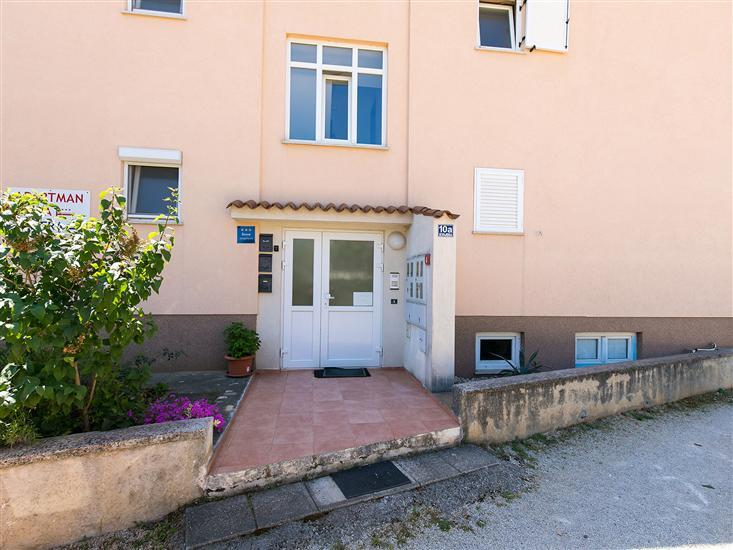Apartament Labinjan