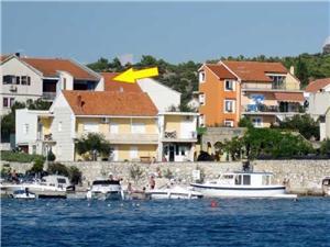 Apartamenty Frančiška Brodarica, Powierzchnia 100,00 m2, Odległość do morze mierzona drogą powietrzną wynosi 70 m, Odległość od centrum miasta, przez powietrze jest mierzona 70 m
