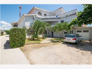 Apartmani Ivan Vir - otok Vir, Kvadratura 40,00 m2, Zračna udaljenost od mora 200 m
