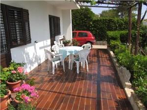 Apartmán Ivanka Pag - ostrov Pag, Prostor 50,00 m2, Vzdušní vzdálenost od centra místa 500 m